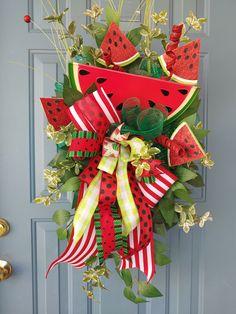 Spring Wreaths For Front Door Diy, Spring Door, Summer Wreath, Flower Wreaths, Tulle Wreath, Diy Wreath, Water Mellon, Watermelon Decor, Summer Deco