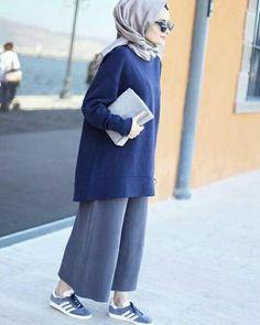 Hijab styles 170644273360602896 - Ebru_gider Source by NoneIna Hijab Casual, Hijab Chic, Ootd Hijab, Islamic Fashion, Muslim Fashion, Modest Fashion, Trendy Fashion, Style Fashion, Mode Outfits
