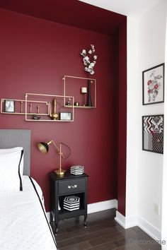 Mon concept rouge et chic pour la chambre de Nathalie - Déconome 5 cm memory foam top of the best makeup vanities and suitcases for a stylish bedroom 2111 Stunning Bohemian Interior Design Bedrooms That Are Ea. Red Bedroom Walls, Feature Wall Bedroom, Bedroom Wall Colors, Room Ideas Bedroom, Home Decor Bedroom, Master Bedroom, Red Bedroom Design, Red Feature Wall, Red Interior Design