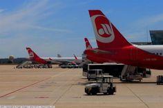 """Airberlin anunţă o restructurare """"fără tabuuri"""" după ce a pierdut 315 M €"""
