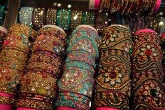 A trip to the vibrant bazaars of India is at the top of our summer wishlist! (via @nytimes)
