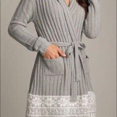 ROBE Beautiful cozy robe - interior ties - exterior belt. Can be worn as robe or sweater. NWT Lemon Intimates & Sleepwear Robes