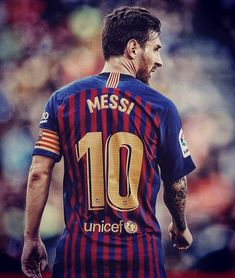 Messi left to score 2 goals to overcome the mark of 400 goals in La Liga 🇪🇸 Messi Y Cristiano, Cristiano Ronaldo Portugal, Lional Messi, Messi And Ronaldo, Ronaldo Juventus, Neymar, Lionel Messi Biography, Football Players, Sport Football