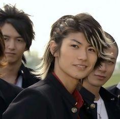 I only watched gokusen 3 for haruma miura. That smile tho Japanese Drama, Japanese Boy, Hiro Mizushima, Haruma Miura, Takeru Sato, People Poses, Guy Pictures, Actor Model, Photos