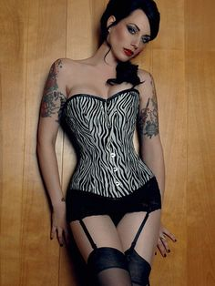d9c505b3d5 Hot Black And White Leopard Pattern Acrylic Spandex Womens Corset Sexy  Corset