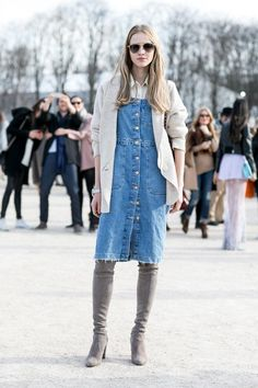 All The Best Street Style Snaps From Paris Fashion Week Fall 2015 - inspired blue denim midi dress with a frayed hem and center snaps + gray suede over the knee boots Street Style 2016, Model Street Style, Street Style Trends, Street Style Looks, Street Style Women, Rain Fashion, Denim Fashion, Girl Fashion, Fashion Design