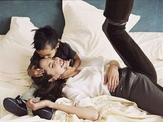 Annie Leibovitz's with A. Jolie and Maddox.
