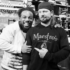 Take a candid look behind the scenes at WrestleMania featuring Becky Lynch, Ronda Rousey, Roman Reigns, and more. Ronda Rousey, Aj Styles, Becky Lynch, Roman Reigns, Wwe Photos, Cool Photos, Xavier Woods, Wrestlemania 35, Sports Drawings
