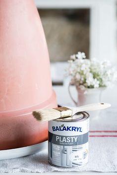 Prairie Charm: Renovácia plastových kvetináčov za jeden deň Flea Market Finds, French Farmhouse, Charmed, Blog, Diy, Bricolage, French Country Farmhouse, Handyman Projects, Do It Yourself