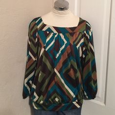 Very colorful  xl top. Xl top. Banded bottom for blousy effect. Very corful. Elastic cuff sleeves. Gathering throughput top.  92% polyester. 8% spandex.  trades  fast shipping ☑️ offers 1955 Vintage Tops
