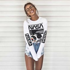 Geek Chic with a nasa sweater and spectacle. & How To Be The Girl That Everyone Looks At The post How To Be The Girl That Everyone Looks At appeared first on Trendy. Cute Summer Outfits, Trendy Outfits, Fall Outfits, Fashion Outfits, Fashion Trends, Geek Chic Outfits, Outfit Summer, Style Fashion, Cute Outfits With Shorts