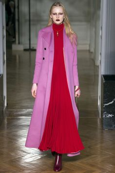 Runway #style review #PFW Fall17: Valentino's Victorian meets 80's pop art collection