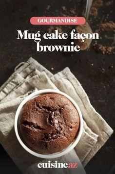 Le mug cake façon brownie est un dessert express et facile à préparer ! Ce gâteau est parfait pour être préparé pendant la mi-temps d'un match de foot. #recette#cuisine#gateau #mugcake #brownie #chocolat#patisserie Microwave Chocolate Mug Cake, Keto Chocolate Mug Cake, Nutella Mug Cake, Mug Cake Microwave, 3 Ingredient Mug Cake, 3 Ingredient Desserts, Vegan Mug Cakes, Mug Cake Healthy, Mugcake Brownie