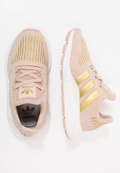 adidas Originals SWIFT RUN - Trainers - ash pearl/gold metallic/footwear white - Zalando.co.uk