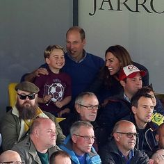 The Duke and Duchess of Cambridge along with Prince George and Princess Charlotte are currently watching the Norwich City vs Aston Villa… Prince George Alexander Louis, Prince William And Catherine, William Kate, Prins William, Princess Kate, Princess Charlotte, Duchess Kate, Duchess Of Cambridge, Kate Middleton