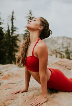 BRAND NEW!!! {Crimson Exhale Bra + Go Long Legging, Crimson} - perfect for all you UTE fans | @albionfit