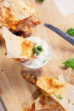 Pizzadillas - extrakäsig, knusprig und vollgepackt mit euren liebsten Pizza-Zutaten |kochkarussell.com