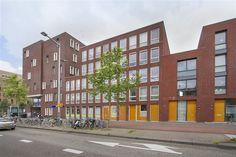 Te koop: IJburglaan 739, Amsterdam - Hoekstra en van Eck - Thans mogen wij verkopen, een modern en goed afgewerkte maisonette, met 2 slaapkamers en een woonoppervlakte van 103 m2. De woning is zo te betrekken, heeft een mooie lichte woonkamer welke goed op de zon ligt en een eigen parkeerplaats in de onderbouw. Dit appartement is gelegen in een leuke en gezellige buurt en in nabijheid van openbaar vervoer en uitvalswegen. Op loopafstand liggen diverse winkels,  eetgelegenheden en een groot…
