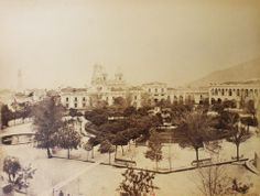 Plaza de Armas de Santiago de Chile en 1883. Bolivia, Paris Skyline, Past, Paradise, Travelling, Beautiful, War Of The Pacific, Santiago, Old Photography