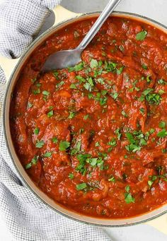 Rich with tomatoes and herbs, this classic Italian recipe for homemade spaghetti sauce may become a family tradition in your home. A pot of spaghetti sauce simmering on the stove will have everyone coming to the kitchen to see what's cooking. Italian Spaghetti Sauce, Spagetti Sauce, Homemade Spaghetti Sauce, Spaghetti Recipes, Homemade Sauce, Sauce Recipes, Pasta Recipes, Dinner Recipes, Cooking Recipes