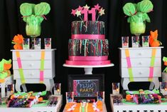 Love this neon birthday party! See more party ideas at CatchMyParty.com!