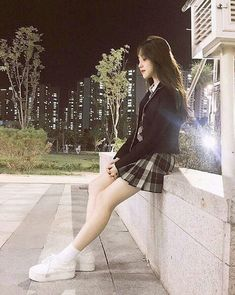 cute and comfy outfits Korean Fashion School, School Uniform Fashion, Korean Fashion Street Casual, Korean Girl Fashion, Ulzzang Fashion, Kpop Fashion Outfits, Korean Outfits, Ulzzang Korean Girl, Cute Korean Girl