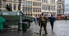 As autoridades belgas anunciaram hoje (8) ter encontrado, em um apartamento em Bruxelas, três colete...
