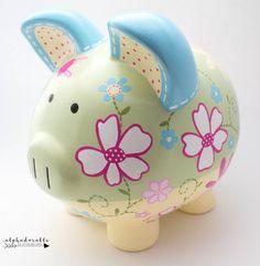 Daisy Floral Ceramic Personalized Piggy Bank en verde, amarillo y azul The Little Couple, Cute Little Things, Penny Bank, Personalized Piggy Bank, Plate Art, Porcelain Ceramics, Nursery Art, Baby Shower Gifts, Daisy