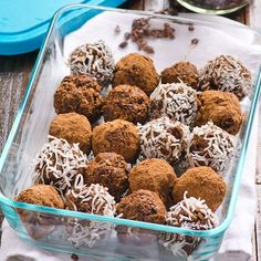 Cacao Nibs Brownie Bites Recipe -- Crunchy, naturally sweetened, nut free and full of antioxidants healthy snack. A perfect afternoon butt kick. Vegan Sweets, Healthy Sweets, Healthy Baking, Healthy Cookies, Healthy Foods, Healthy Recipes, Paleo Dessert, Superfood, Brownie Bites Recipe