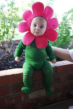 It's never too early to start planning your baby's Halloween costume. We've rounded up the cutest store-bought and DIY Halloween costume ideas for babies and toddlers. Cute Baby Halloween Costumes, First Halloween, Easy Halloween, Toddler Costumes, Diy Baby Costumes, Babies In Costumes, Halloween Onesie, Costume Ideas, Halloween Pictures