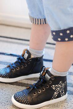 I wish Maa Shoes make adult sizes.  Love it!
