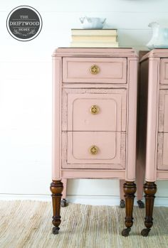 Enchanted End Tables #DIY #furniturepaint #paintedfurniture #homedecor #chalkpaint #pink #blush #endtable #sidetable #vanity #countrychicpaint - blog.countrychicpaint.com