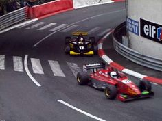 Juan-Pablo Montoya Roldan - Lola T96/50 Zytek KV - Super Nova is about to lap Brian Smith - Lola T96/50 Zytek KV - Nordic Racing - LVIII Grand Prix de Pau 1998