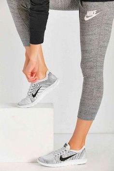 .Women's Nike Workout clothes :| shop @ FitnessApparelExpress.com