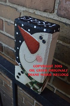 15007 Primitive Snowman Brick Pattern Packet Oil Creek Originals – The World Painted Bricks Crafts, Brick Crafts, Painted Pavers, Painted Rocks, Cement Pavers, Brick Projects, Concrete, Outdoor Christmas Tree Decorations, Snowman Decorations