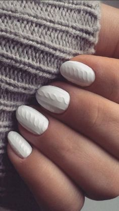 Sweater season is officially upon us...and your nails with this cable knit nail pattern