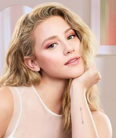 Lili Reinhart Makes CoverGirl Debut in Clean Fresh Campaign: 'Natural Skin Is Beautiful' Lili Reinhart, Make Natural, Natural Skin, Natural Makeup, Natural Beauty, Betty Cooper, Covergirl, Le Rosey, Betty & Veronica