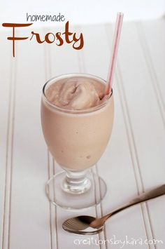 Copycat recipe for Wendy's Frosty. A perfect summer treat! #recipe -from creationsbykara.com