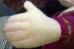 Zisa doll hand detail