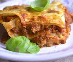Sałatka z suszonymi pomidorami i serem feta -szybki przepis Lany, Quesadilla, Lasagna, Quinoa, Feta, Food And Drink, Cooking Recipes, Ethnic Recipes, Healthy Salads