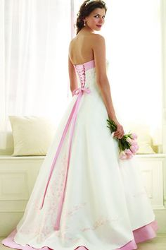 Alfred Angelo - 1797 I defiantly have no doubt this will be my dress! I'd look like a princess :)
