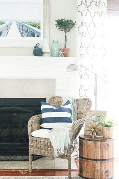 Give your living space with this simple ., Give your living space a little nautical charm with these simple decoration ideas for coastal summer. With DIY canvas canvas art, blue and white starf. Beach Mantle, Summer Mantle Decor, Cozy Cottage, Coastal Cottage, Coastal Living, Beach Canvas, Canvas Art, Diy Canvas, Decorate Your Room