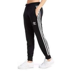 tie diy shirt and adidas joggers outfit Nike Outfits, Cute Teen Outfits, Adidas Outfit, Sporty Outfits, Outfits For Teens, Adidas Sweatpants, Sweatpants Outfit, Adidas Pants, Adidas Shirt