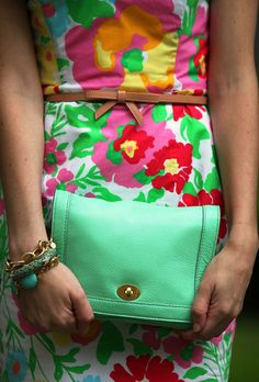 add a cute mint clutch to your vintage floral dress