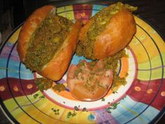 Posts about vetkoek written by kreatiewekosidees South African Recipes, Ethnic Recipes, Breakfast Muffins, Meatloaf, Food Hacks, Baked Potato, Recipies, Yummy Food, Cooking