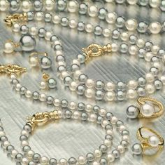 Madreperla SA Majorca pearls, perlas de mallorca, perles de majorque, collares, pulseras, pendientes, colgantes, necklaces, bracelets, earrings, pendants, colliers, boucles d'oreilles, bagues, pendentifs, alta bisuteria, fashion jewellery, bijoux fantaisie, manacor, perlas, pearls, fabrica, manufacturer, mallorca, islas baleares, mayorista, wholesaler, costume jewerly, plata, silver, manacor, mallorca, españa, spain, regalo, gift