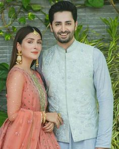 Awesome Eid Photos of Ayeza Khan and Danish Taimoor with their Kids Pakistani Wedding Outfits, Indian Bridal Outfits, Indian Designer Outfits, Pakistani Dresses, Ayeza Khan Wedding, Love Couple Photo, Shadi Dresses, Indian Wedding Photography Poses, Stylish Dresses For Girls