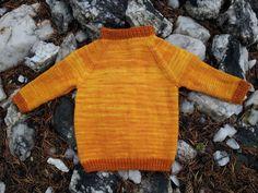Gratis mønster på barnegenser str 1 - 10 år strikket med Ninapetrina håndfargede Mellomtykk Merino. Håndfarget garn finner du på ninapetrina.no