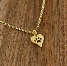 New Fashion Dog Paw Print Heart Necklace for Women Animal Pet Puppy Palm Paw Mark Print Necklace Gifts Cute Necklace, Heart Pendant Necklace, Bar Necklace, Heart Necklaces, Dog Shop, Gold Choker, Gold Cross, Heart Shapes, Gifts For Her