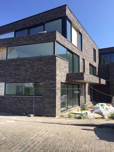 Project Ramen Vandenbroucke in Waregem | Plaatsing ramen en deuren | Moderne woning met veel lichtinval